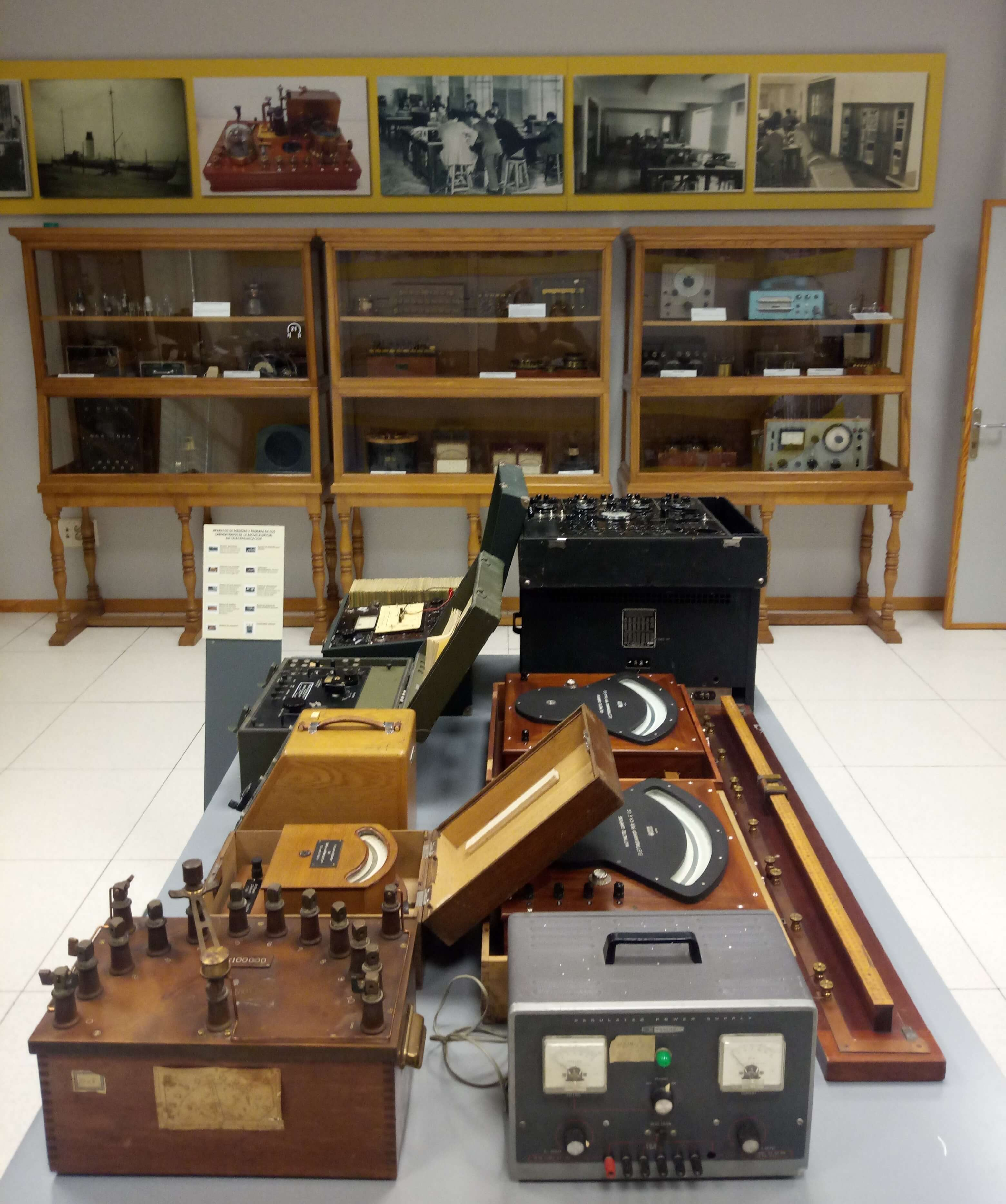 El laboratorio de telégrafos. Aparatos y utensilios