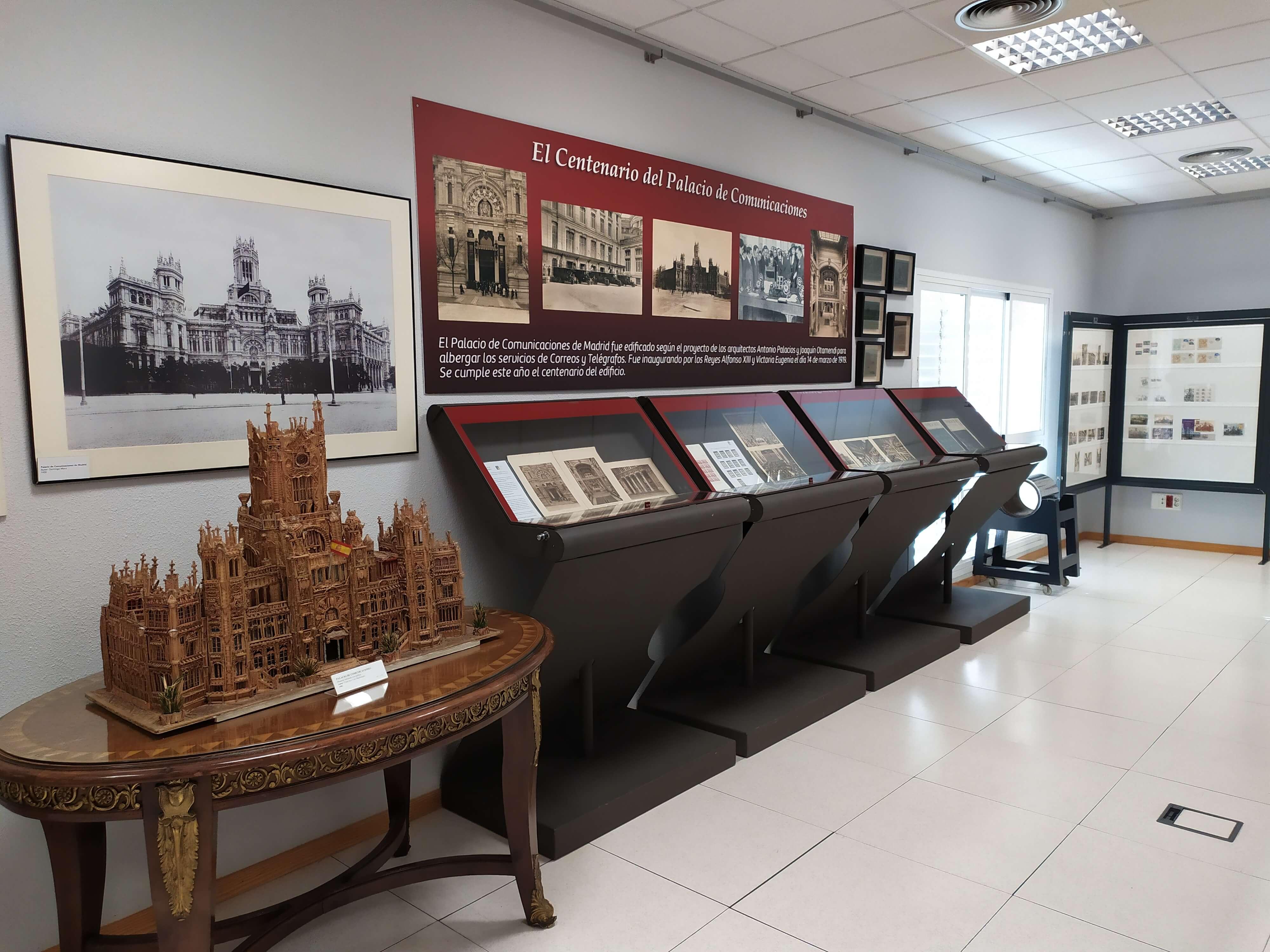 Inauguramos la exposición del Centenario del Palacio de Comunicaciones